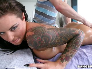 sexy christy mack loves wrapping the brush lips around a blarney