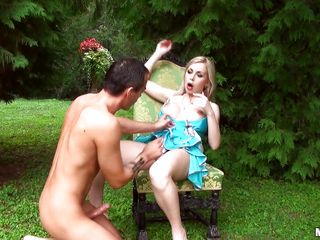 gorgeous beauty gets fucked on slay rub elbows with park bench