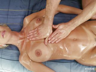brandi love getting a massage