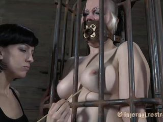 Yeah bitch, u deserve this punishment. You thought that everything needs to be your way and always had lack of respect. Let's see u with regard to that cage regardless how punk u are now. It's a bit humiliating for such a bad ass unreserved as if u to be caged, fastened and vagina rubbed isn't it? Sojourn there and shut the fuck up.