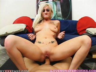 blonde loves pecker and sex