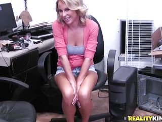 sexy blond milf wearing short jeans wants a fuck