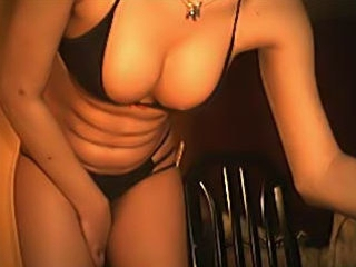 A lustful busty babe enjoys her vibe on camera! Let me tell u that that babe actually knows how to make good use of it!