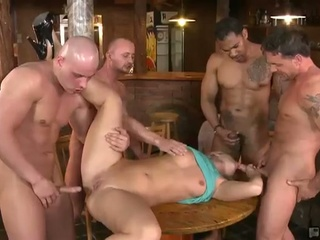 Mischel receives gangbanged at the bar