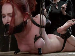 redhead scheduled up&dildo fucked