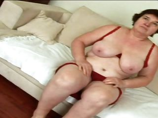 older slut masturbating and sucking obese cock