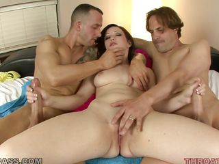 threesome with horny brunette hair jennifer white
