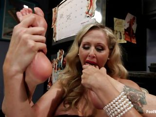 This babe is licks her feet to make sure that her partner knows exactly what she wants. Other than that she is a hot floozy that wants to feel the cock everywhere inside her body, in her feet and in her mouth. This guy have enjoyment with her ass and fucks her hard and fast.