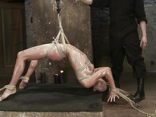 the punishment with hawt wax makes her aroused