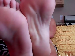 Summer needs her perfect feet worshiped