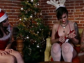 Tattoo goth emo amateurs give naughty toys as gifts