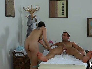 Stud gets caught having sex with a hottie during massage