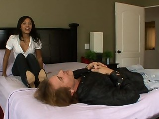 Rhianna `heels` patient with her Toes with the addition of a Footjob
