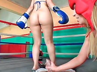 Sara Entertainer and Kristina In the best of health fuck with a horny lady's man in a ring