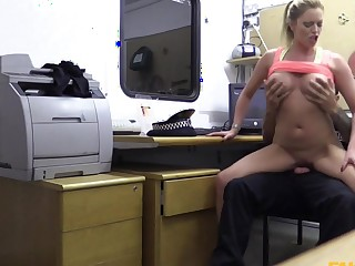 Holly down Hot gym MILF pulled drop and fucked - FakeCop
