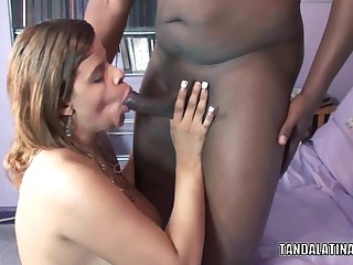 Curvy swinger Gal Lynn swallows a large dark shlong