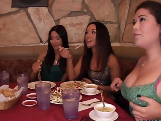 London Keyes, Miko Sinz plus Suzanne Kelly