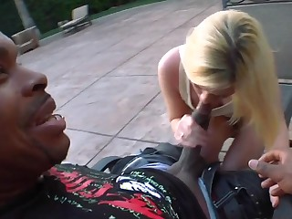 Petite pale whore Yasmine Aureate takes on black knob