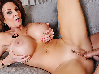 Deauxma & Ike Diezel in My New Zealand Hot Mom