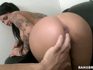 Round assed tattooed youthful chick Christy Mack shows off her bubble as and plays with her cum-hole on camera then gives head to lucky dude in this audition video.