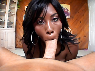 Cute Ebony Plays With Twat & Shows Amazing Squirting