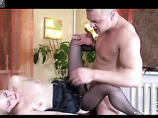 Paulina&Nicholas kewl nylon feet movie