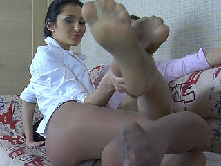 Cora&Tina nylon footfuck gamble