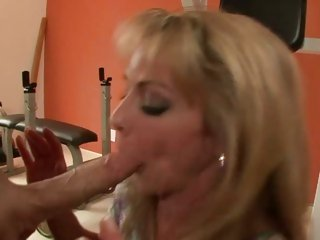Wild Shayla Laveaux bounces her cunt on a biggest salami