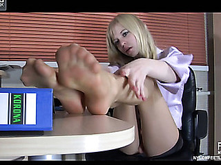 Paulina showing her nylon hands