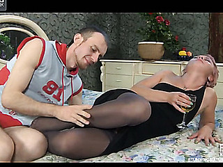 Isabella&Peter kinky mamma with respect to act
