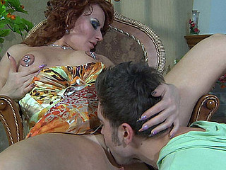 Fiery mother i'd like to have sexual intercourse bares her great breakup concerned for a have sexual intercourse with regard to a younger stud