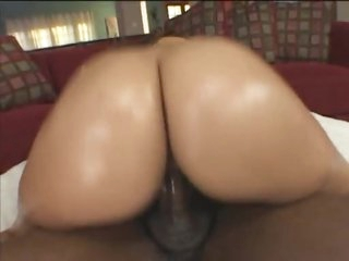 Slamming a large ass hottie lose concentration rides dick