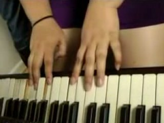 He teaches her to play piano, she teaches him in what way to lose one's heart to
