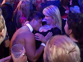 Yong beauties in club are happy just about roger