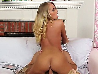Enjoy delicious glamourous blonde chick Britney Youthful fucking with Logan Pierce