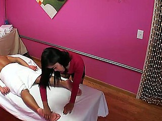 Oi is another attractive asian masseuse
