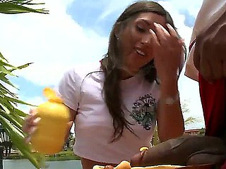 Alexis Breeze is very hungry and