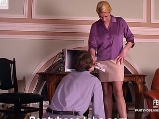Awesome secretary willing for additional job playing frantic hose games