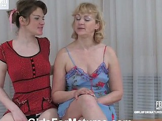 Emilia&Ninette pussylicking older on clip