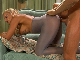 Heated hottie wears her superannuated crotchless pantyhose be incumbent on scalding hawt screwing