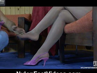 Viola&Lesley wicked nylon feet movie