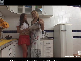 Reana&Fernanda lady-boy and pussylady in action