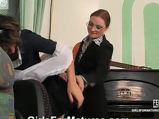 Rita&Gloria pussylicking aged on movie scene