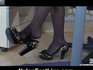 Vivian nylon feet act