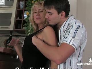 Bridget&Clifford irresistible mama in act