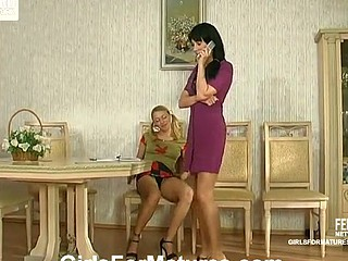 Rosaline&Ottilia pussylicking titty in act