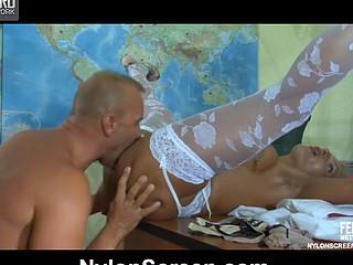 Hannah&Benjamin frisky nylon peril