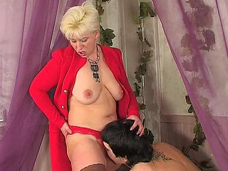 Penny&Adam red hawt aged action