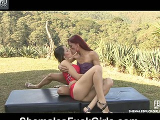 Rafaela&Fernanda shelady and pussygirl in undertaking