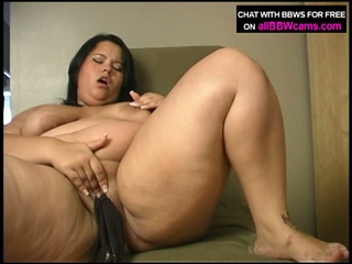 Oriental bbw shelsea fucks herself with pants